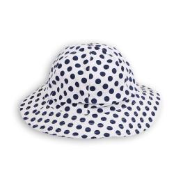 Лятна шапка на точки