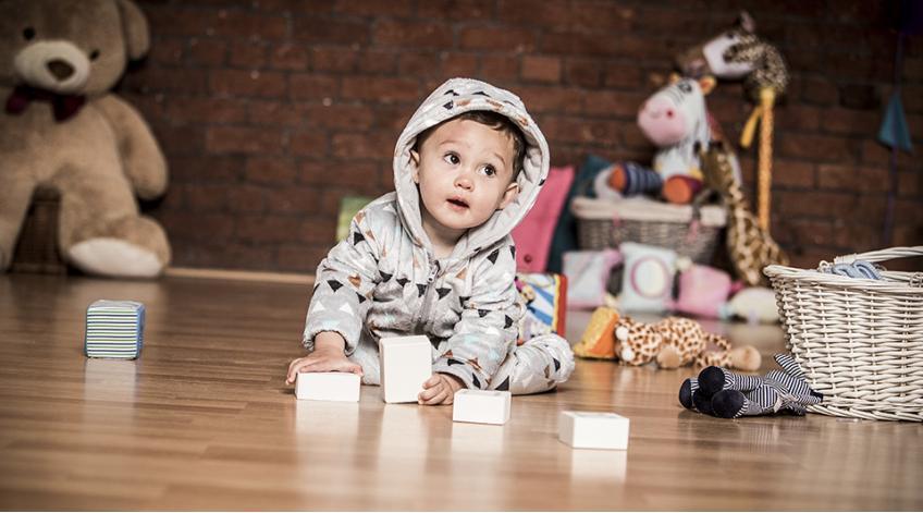 Как да облечем бебето през зимата?